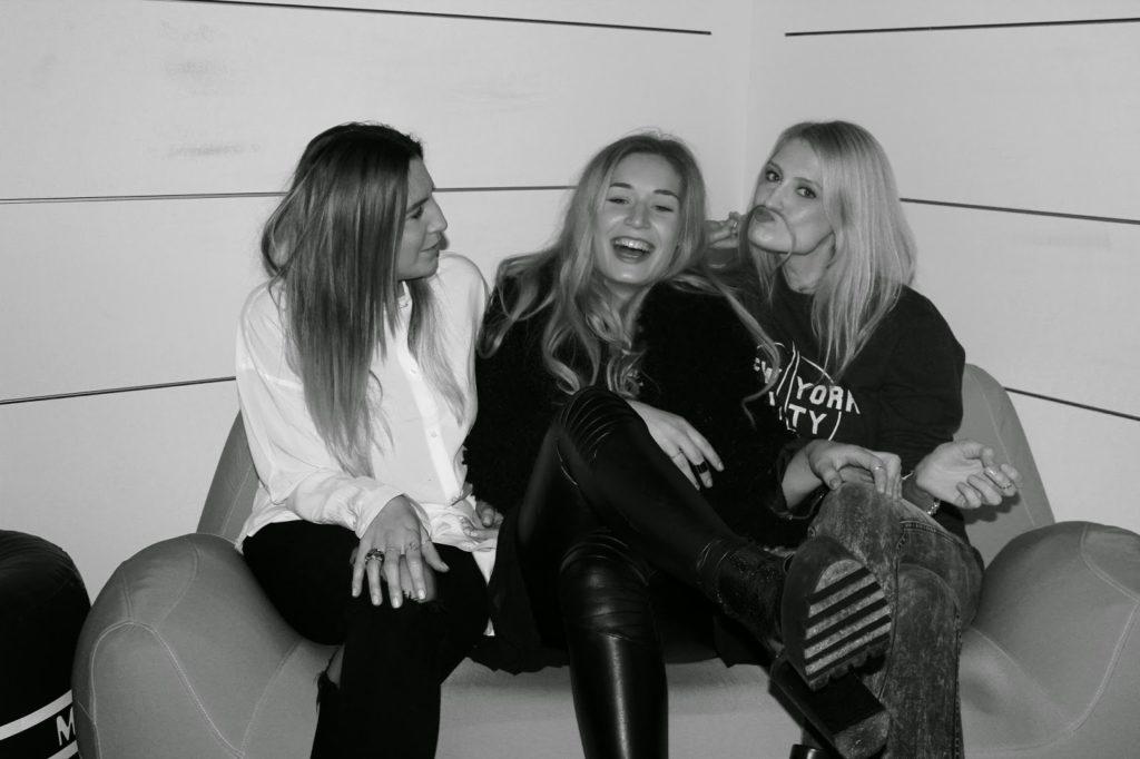 Fshion Blogger München Blonde Girls