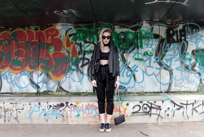 Mode-Blogger-Modeblogger-ootd-outfit-Look-Style-Streetstyle-Lauralamode-Style-lookbook-Munich-Muenchen-Fashionblogger-Mode-TRUEYOU-Zara-BikBok-Superga