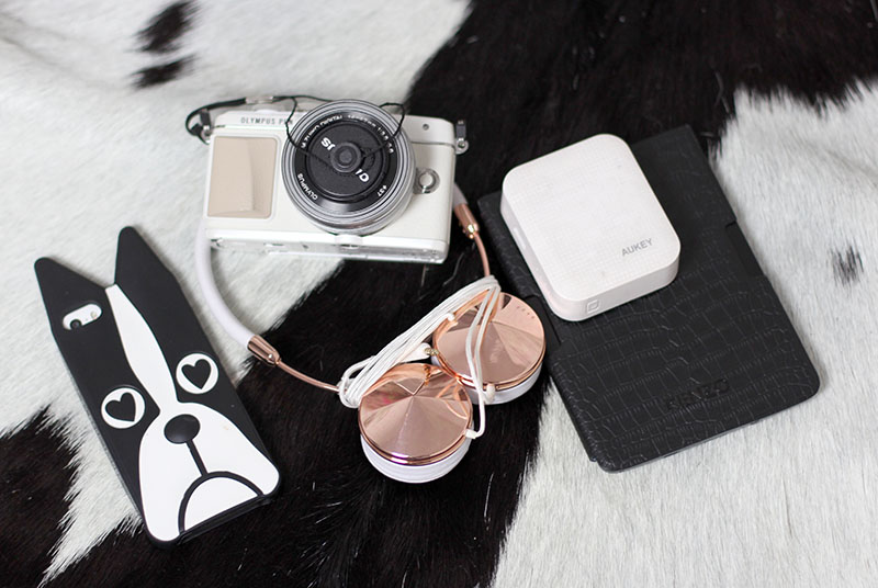 Mode-Blogger-Modeblogger-ootd-outfit-Look-Style-Streetstyle-Lauralamode-Style-lookbook-Munich-Muenchen-Fashionblogger-Mode-Picard-Travel-Travel Essentials-Lisca-Beach-Holidays