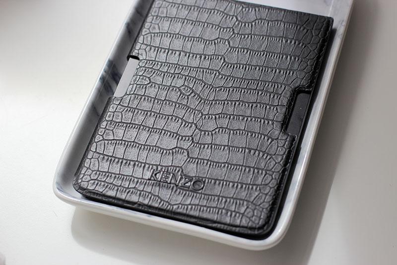 Pocketbook-Ereader-Ebook-Kenzo-Design-Lifestyle-Blogger-Modeblog-Fashionblog-Blogger-Fashionblog-lauralamode-munich-photography
