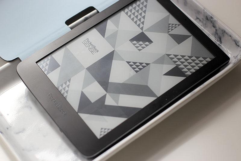 Pocketbook-Ereader-Ebook-Kenzo-Design-Lifestyle-Blogger-Modeblog-Fashionblog-Blogger-Fashionblog-lauralamode-munich-photography-Pocket Book Sense