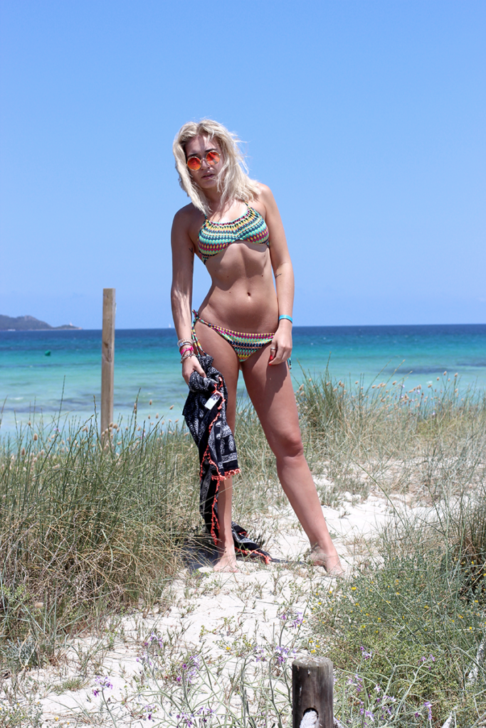 Blogger-Modeblogger-Fashion-Mode-Fashionblogger-Urlaub-Random-Vacation-Lisca-Beach-Summer-Summertime-Beach-Bikini-Random-Facts-About Me-Munich-Muenchen-Mallorca