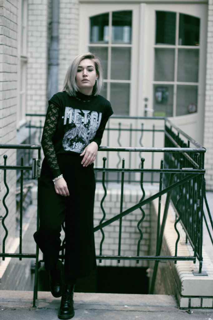 Berlin-OOTD-Outfit-Blogger-Bloggerstyle-Streetstyle-Look-About You-Vintage-Dr. Martens-Doc Martens-Lookbook-Munich-Fashionblog-Modeblog-Muenchen-Lauralamode