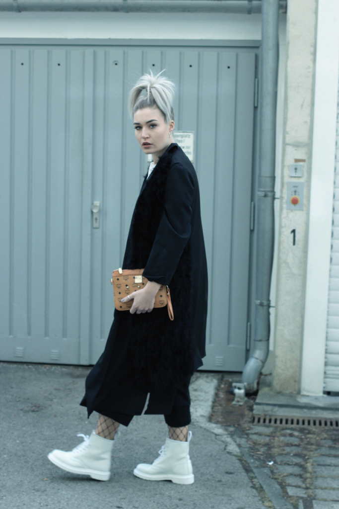 Outfit-ootd-MCM-Dr.Martens-Doc Martens-Boots-Culottes-Gina Tricot-Streetstyle-Neverfullydressed-Style-Blogger-Modeblog-Fashionblog-Lauralamode-Munich-Muenchen