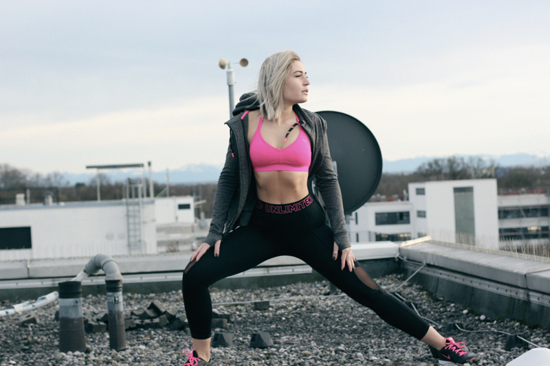 Fitness-Sport-Gym-Misterladyjeans-FitRate-Health-Fitnessblog-Blogger-Blog-Lauralamode-Munich-Muenchen-Shooting-Fitnessshooting-Fashionblog-Modeblog