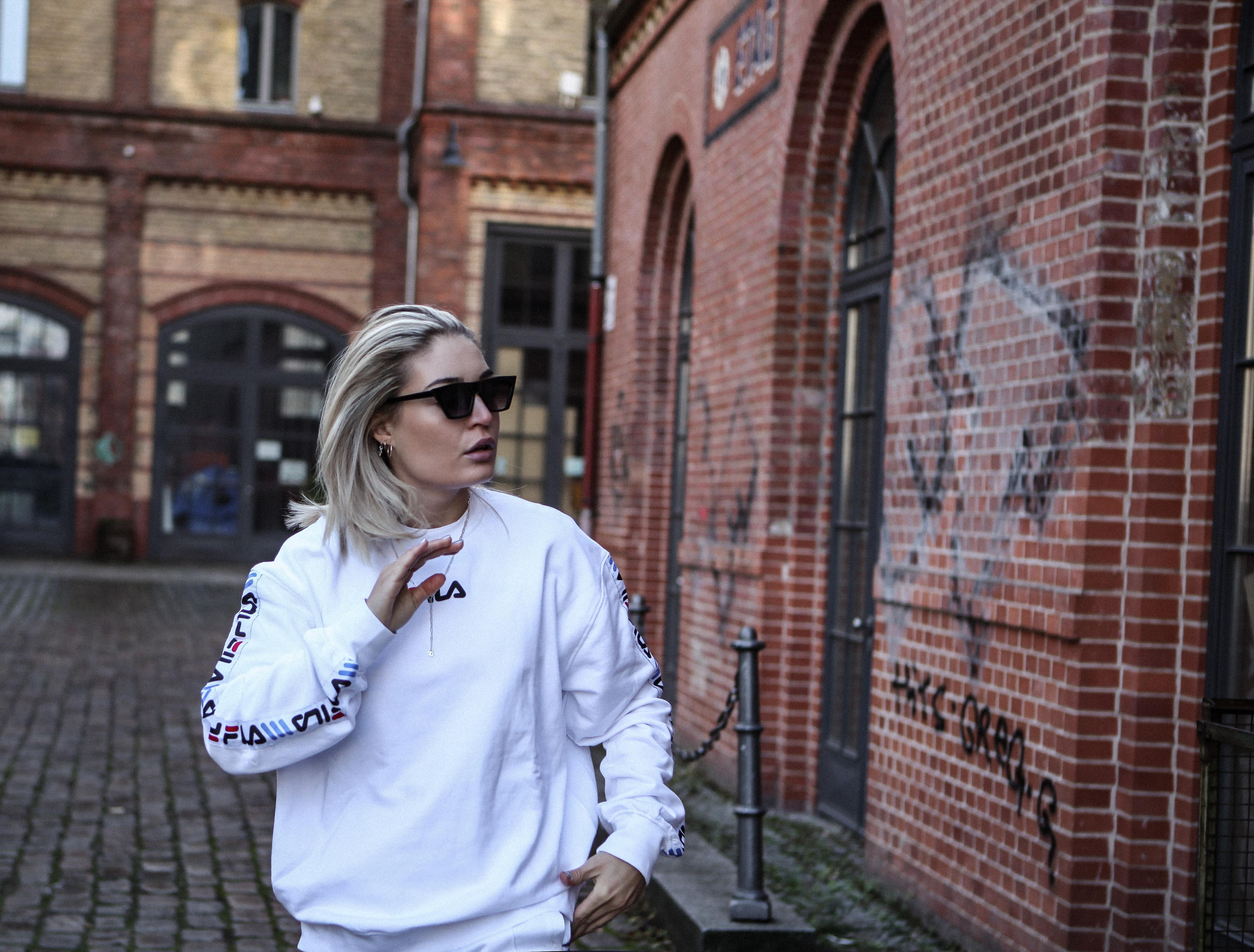 Lauralamode Fila Junkyard Outfit Latex Tracksuit Fashion Blogger Fashionblogger Look Style Streetstyle Berlin Munich