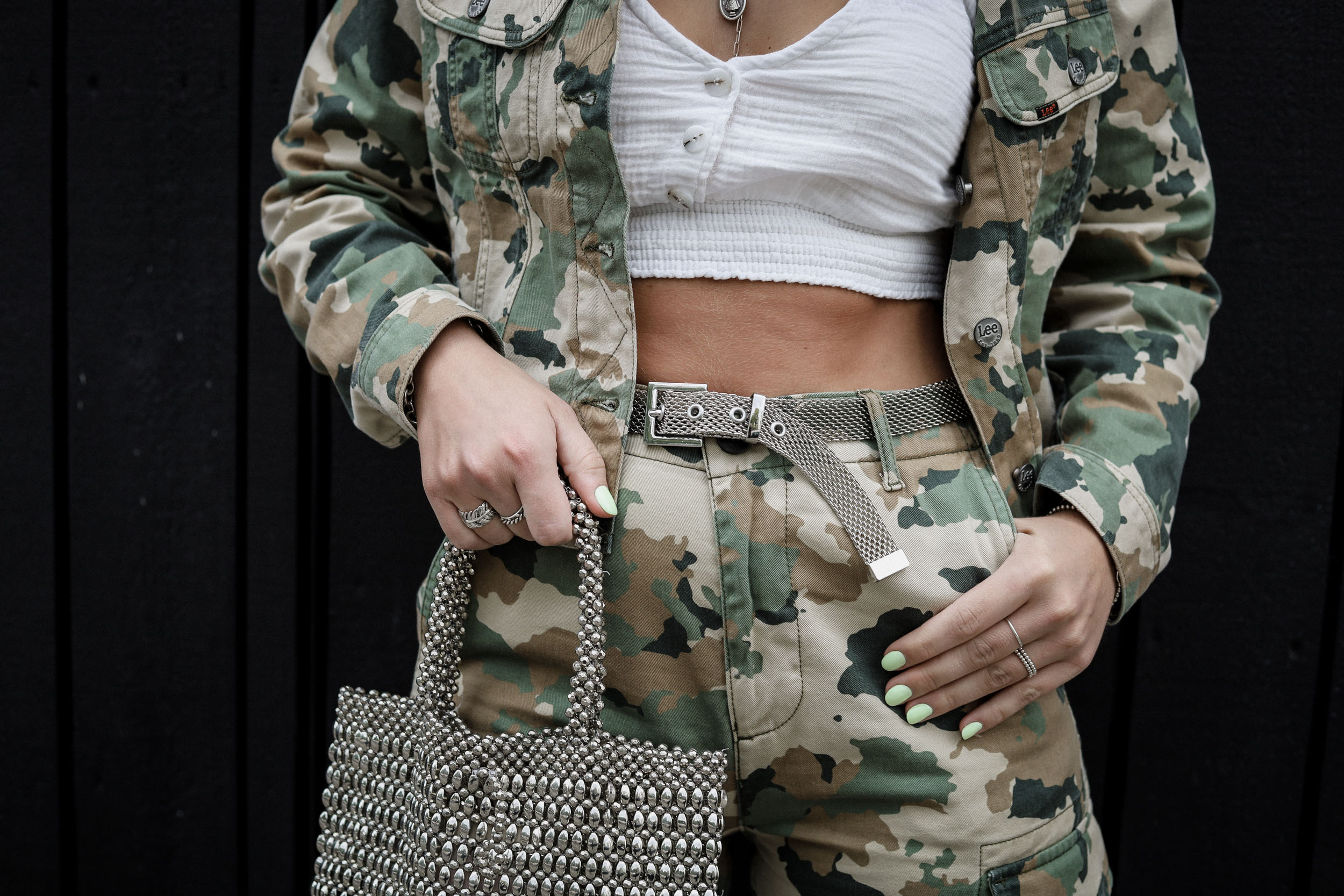 lauralamode-fashion-fashion blog-outfit-ootd-look-streetstyle-style-inspo-look-military-style-berlin-munich-nakd-military trend-trend report-blogger-deutschland