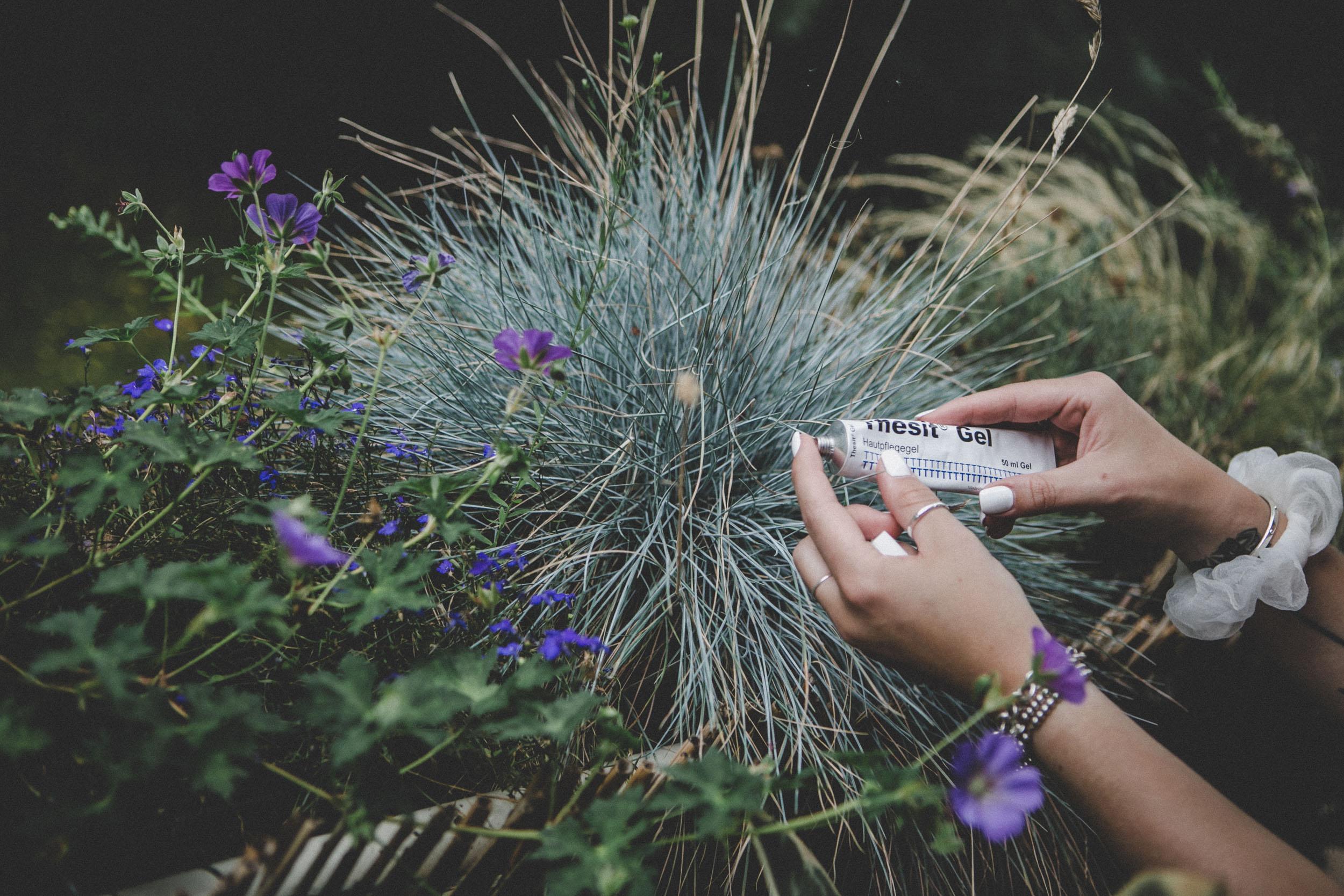 lauralamode-thesi-thesit gel-anti mücken-mückengel-mückenstich-sonnenbrand-sonnenallergie-medizinisches produkt-insektenstich-soforthilfe-beauty-beautyprodukt-blogger-beautyblogger-berlin-munich